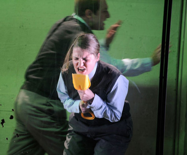 THOMAS FREYER: AMOKLAUF MEIN KINDERSPIEL 2009 Theater St. Gallen, Regie: Katja Langenbach