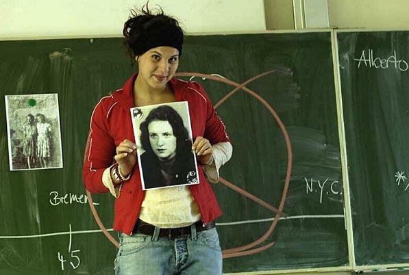 CHRISTINE RICHERS: DAS IST ESTHER 2007, Uraufführung, Klassenzimmerstück Thalia Theater, Regie: Katja Langenbach