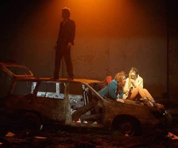 HEINRICH VON KLEIST: MICHAEL KOHLHAAS 2012 Theater St. Gallen, Regie: Katja Langenbach